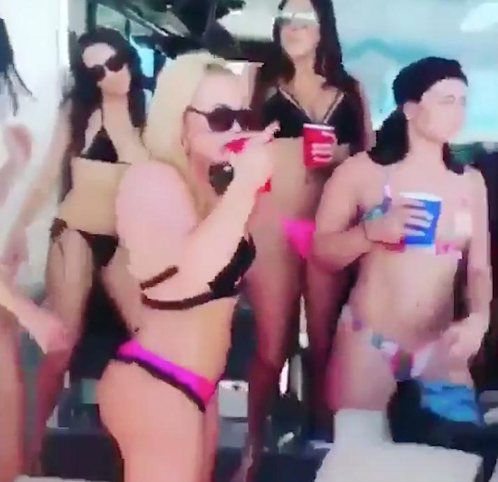 Kyrie Irving a organisé une fête sur son yacht