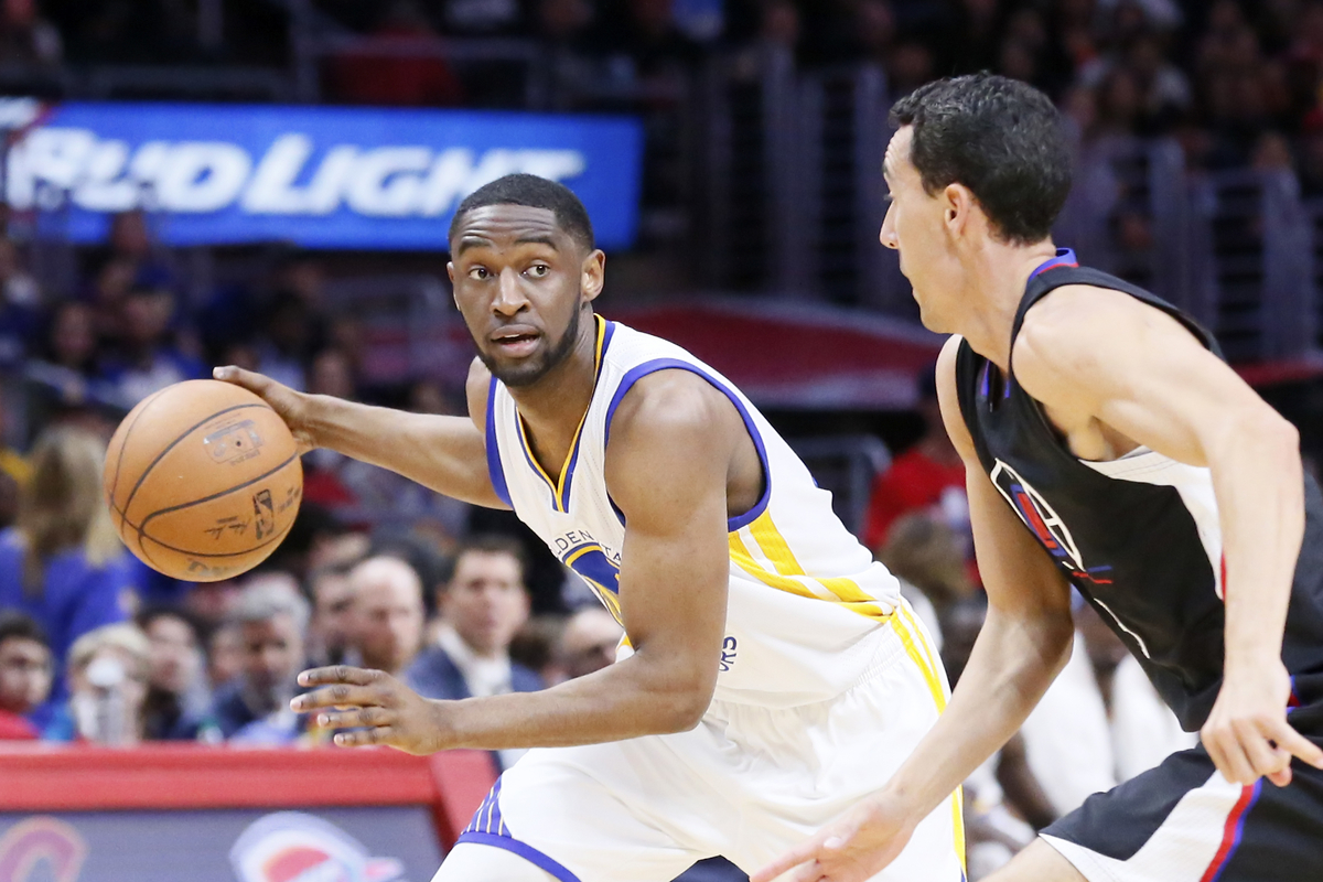 Ian Clark reste aux Golden State Warriors