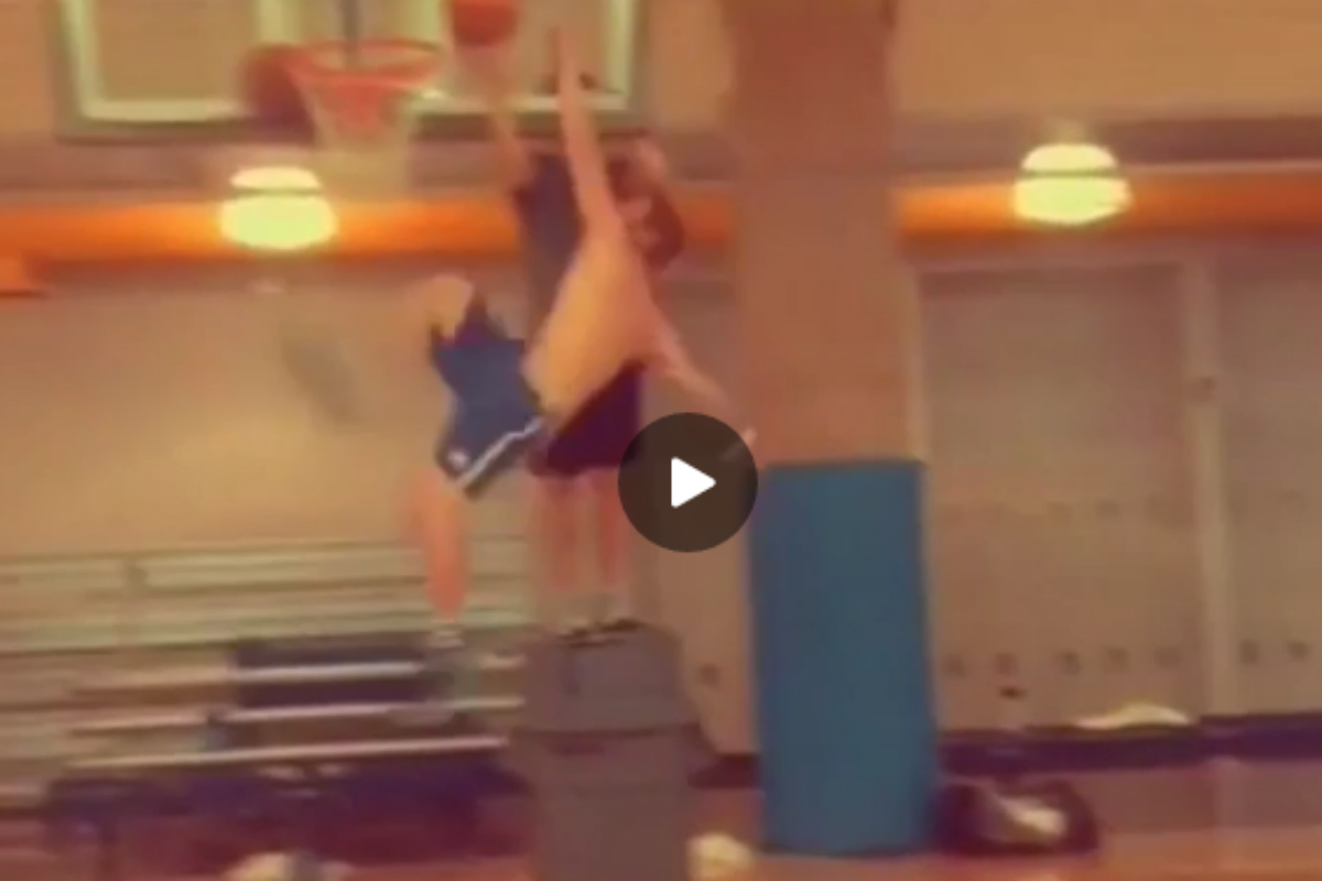 Voici le dunk le plus chaud de l'été !