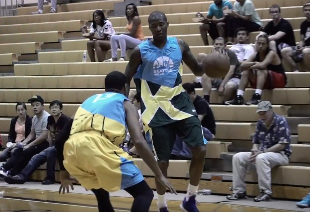 Jamal Crawford plante 44 points et un game winner à la Seattle Pro-Am
