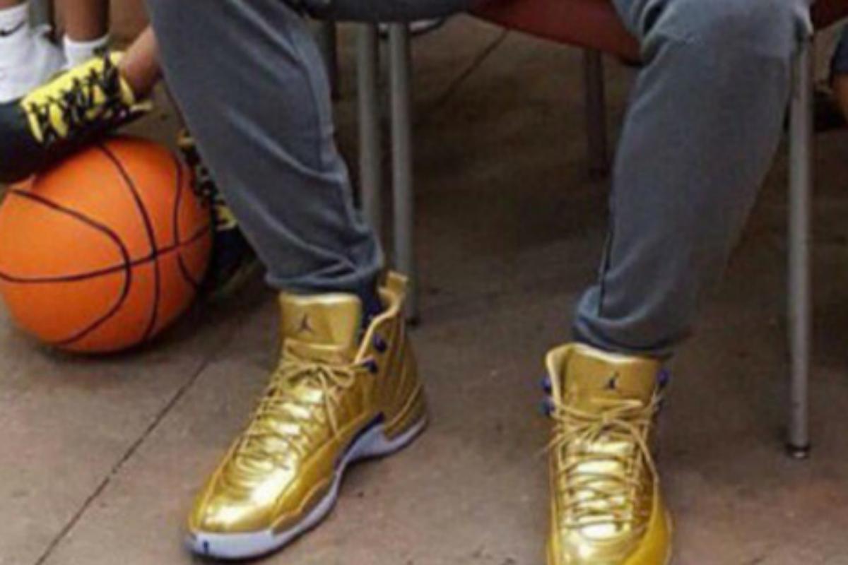 Kawhi Leonard a des Air Jordan 12 introuvables