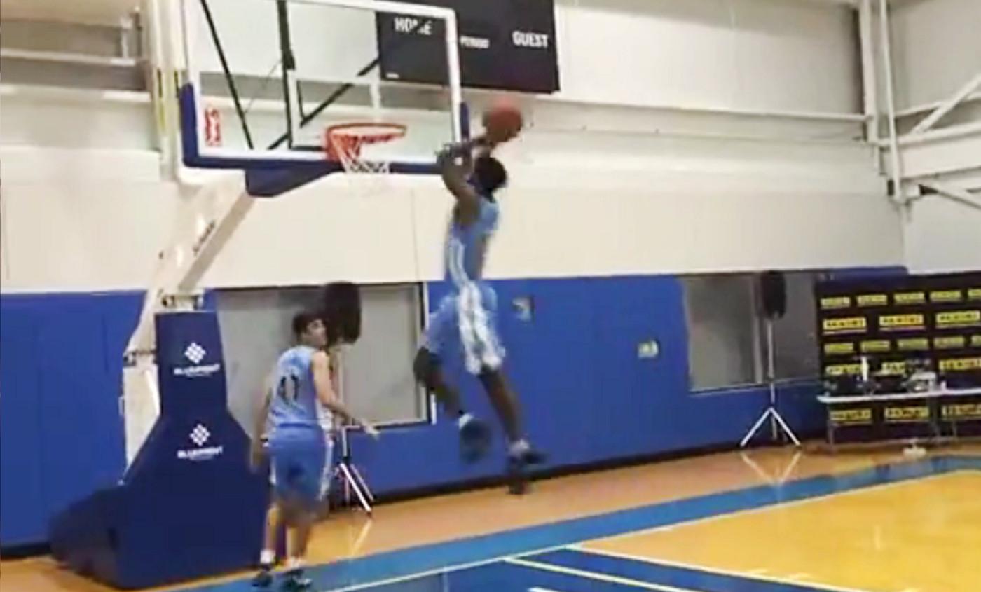 Les rookies des Nuggets s'entraînent déjà pour le concours de dunk