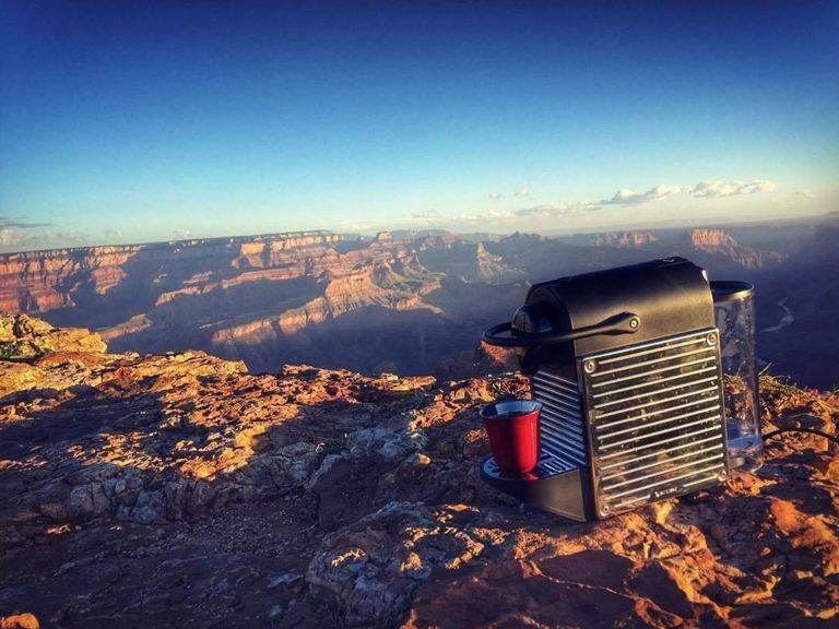 Normal, Boris Diaw emmène sa machine Nespresso au Grand Canyon