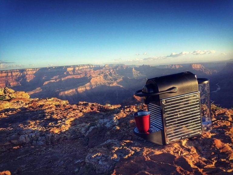 Normal, Boris Diaw emmène sa machine Nespresso au Grand Canyon