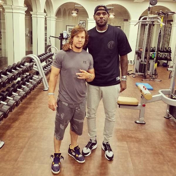LeBron James et Mark Wahlberg dans un film sur les fantasy leagues ?