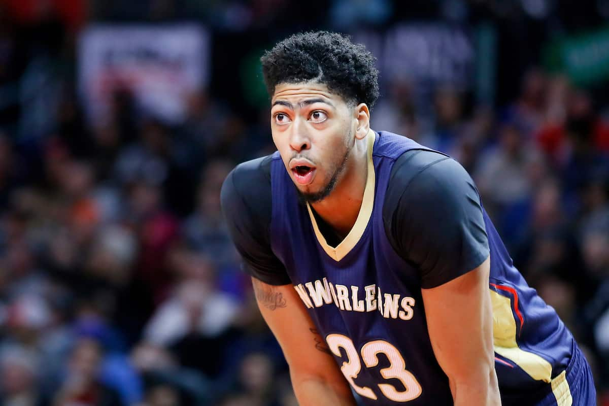 Anthony Davis monstrueux, les Pelicans surprennent les Wolves