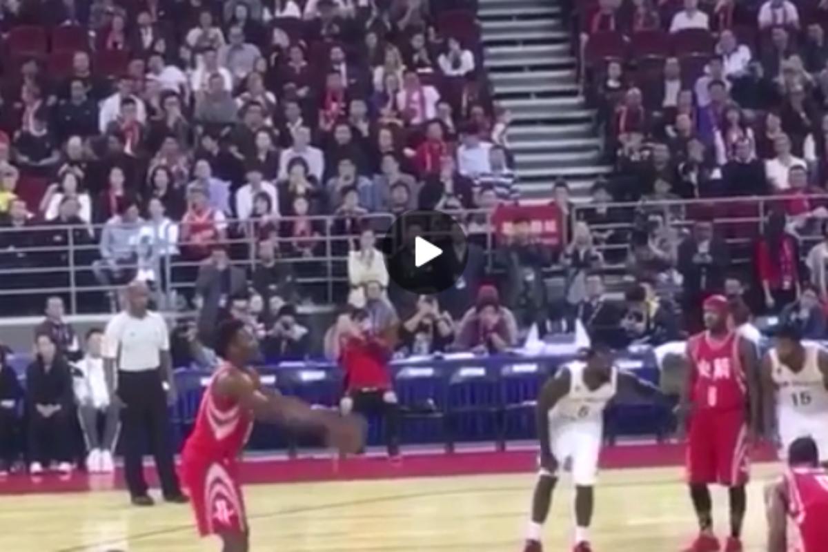 Chinanu Onuaku, le rookie des Rockets continue de shooter à la cuillère