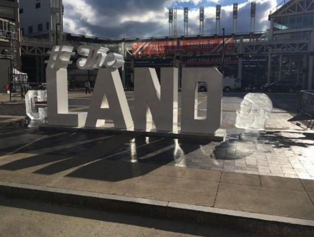 LeBron James a déjà sa sculpture à Cleveland