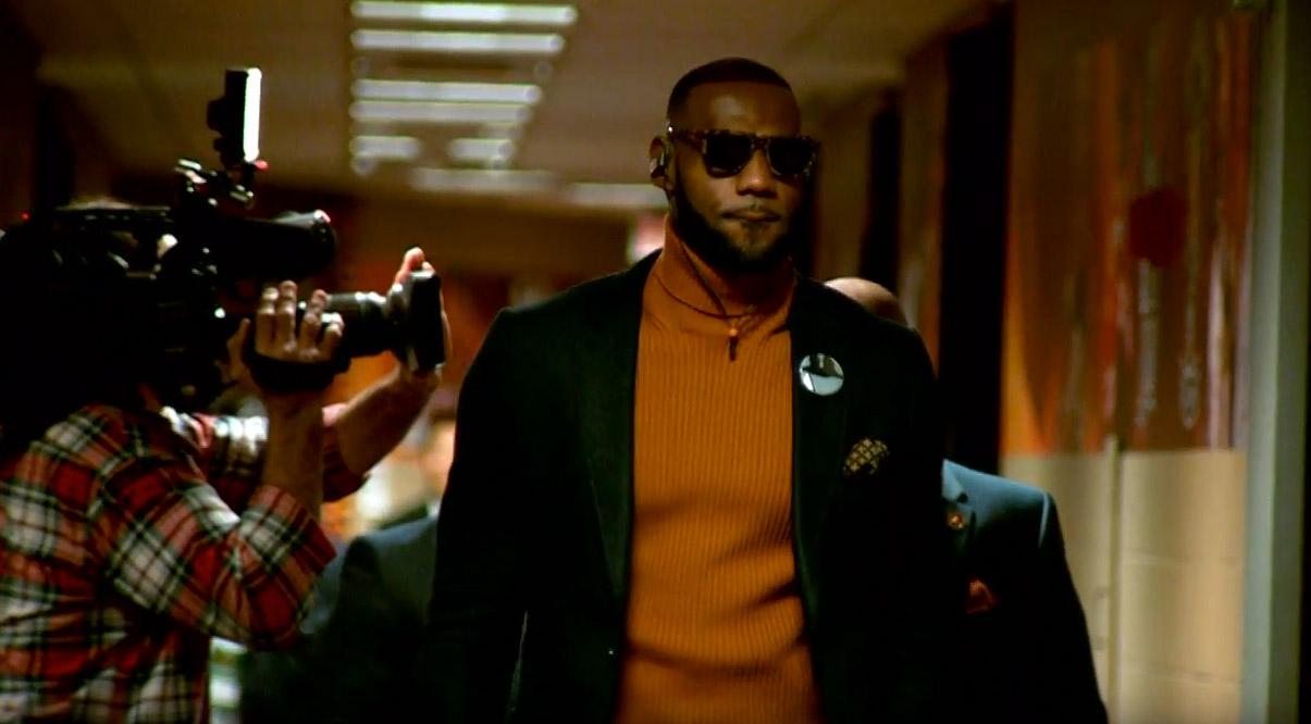 Malade, LeBron laisse les Cavs s'incliner contre Miami