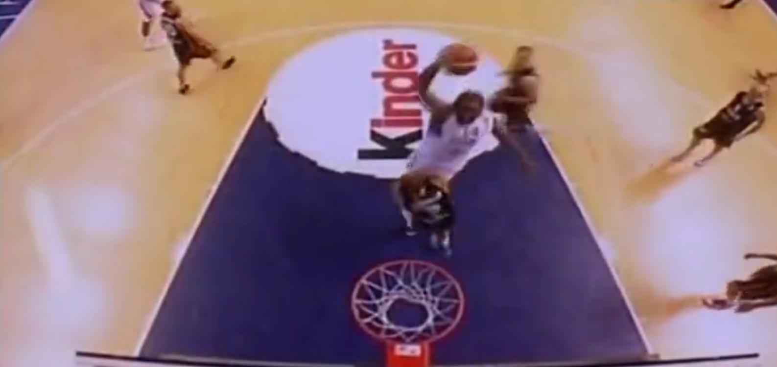 Souvenir : Le dunk énorme de Ronny Turiaf contre la Belgique en 2009