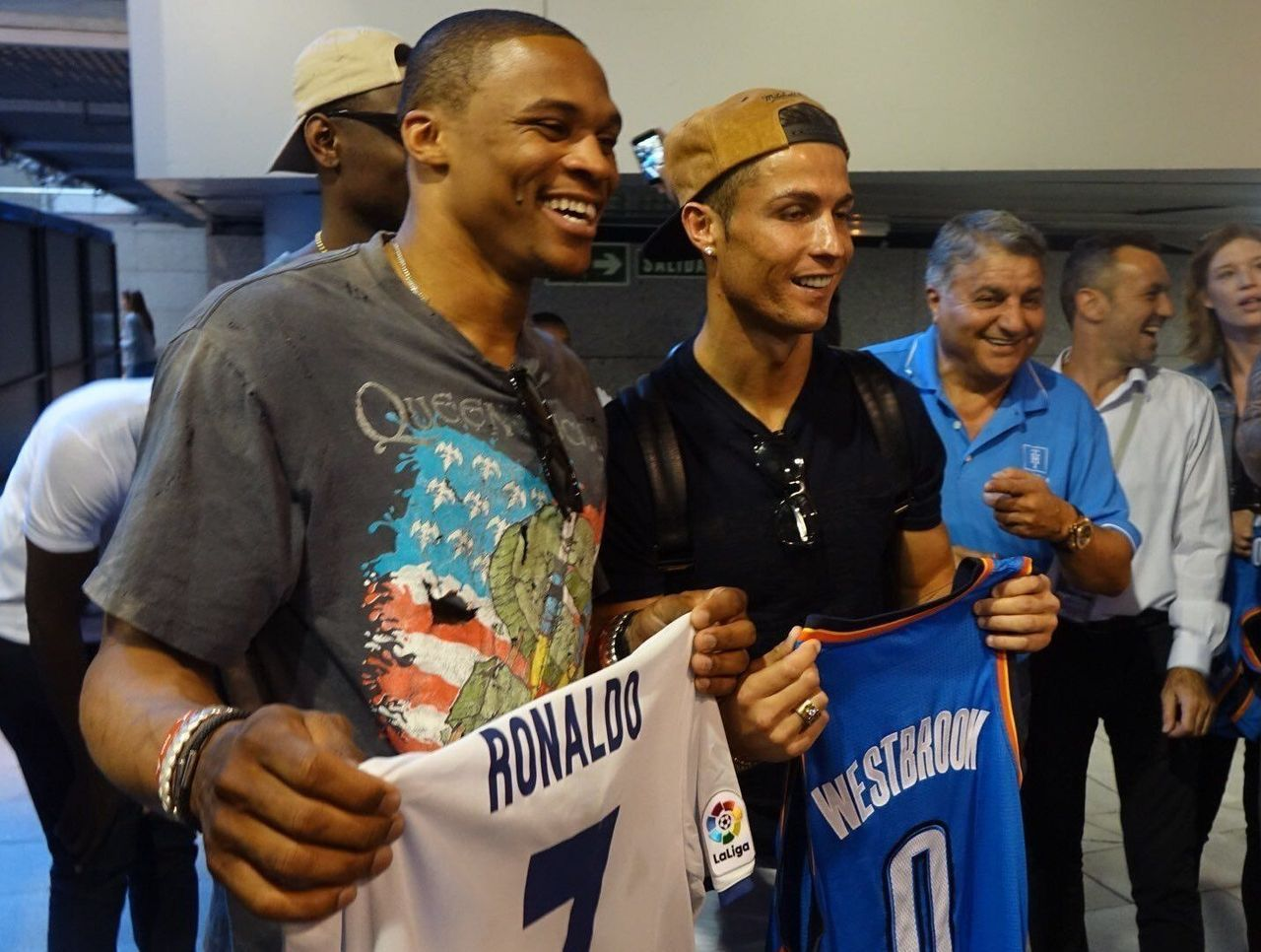 Russell Westbrook Tape La Pose Avec Cristiano Ronaldo