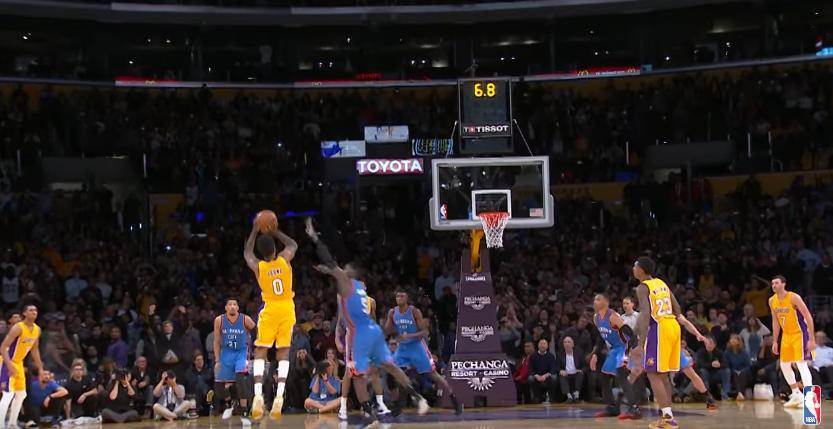 Grosse surprise : la NBA confirme que Nick Young avait bien marché...