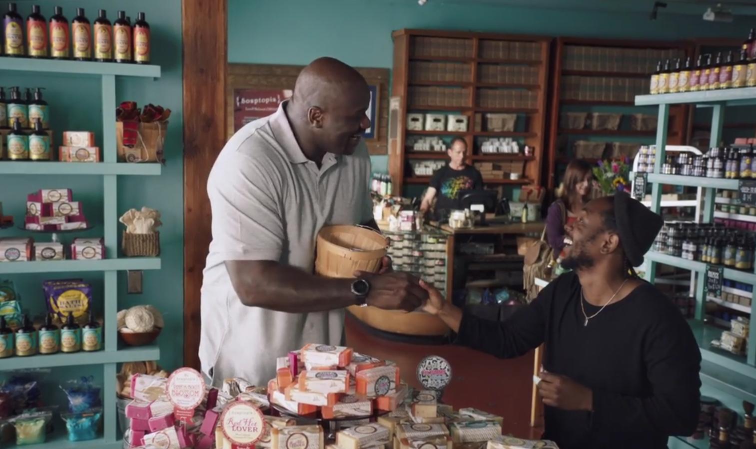 Shaq et Kendrick Lamar partenaires de shopping... pour du savon