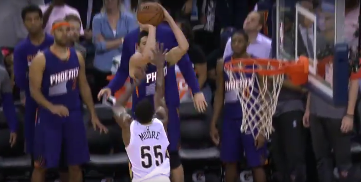 Top 10 : Devin Booker ultra clutch, Larry Nance Jr au-dessus des étoiles !