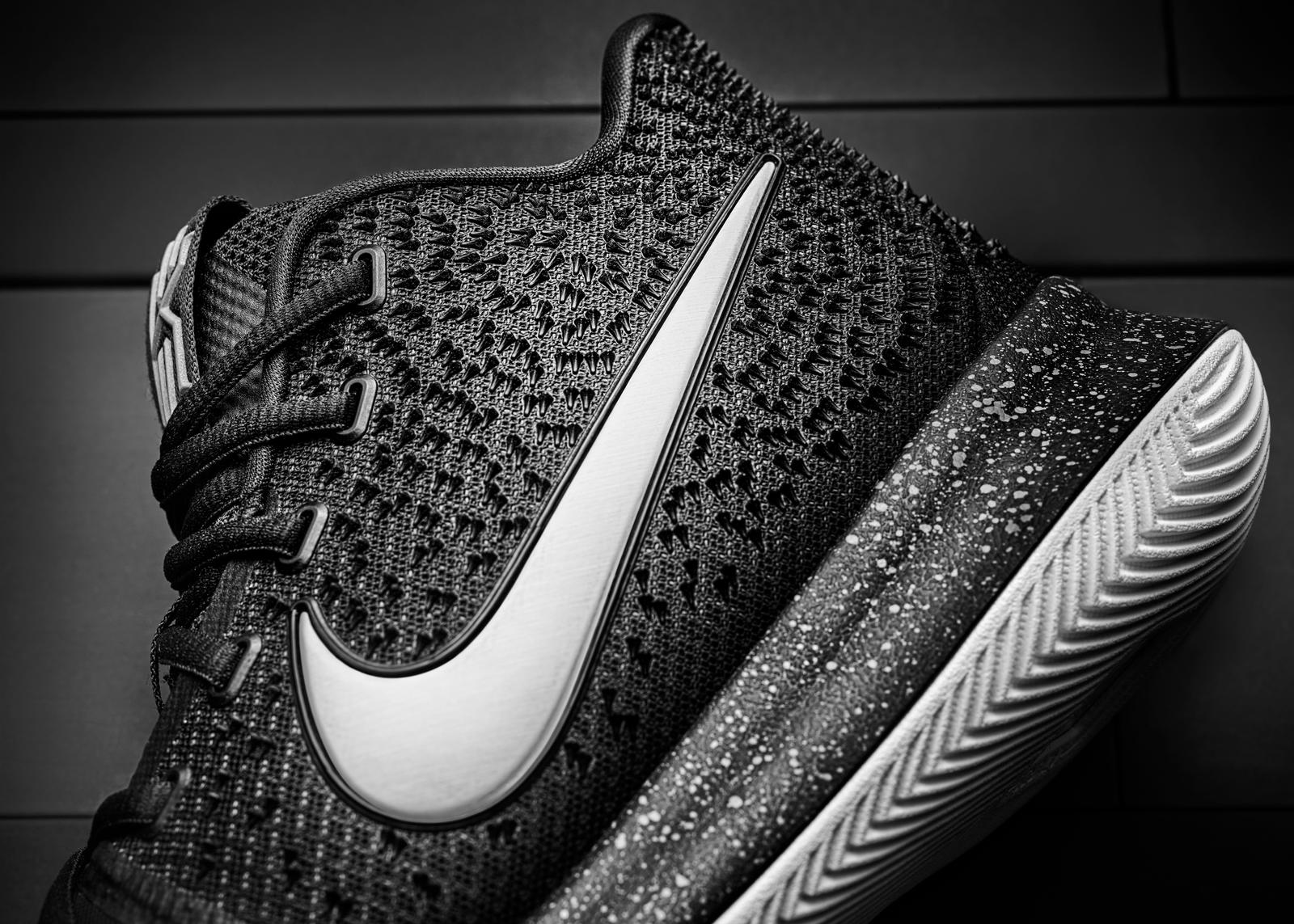 16-400_Nike_Kyrie_3_Side_Texture-01_rectangle_1600