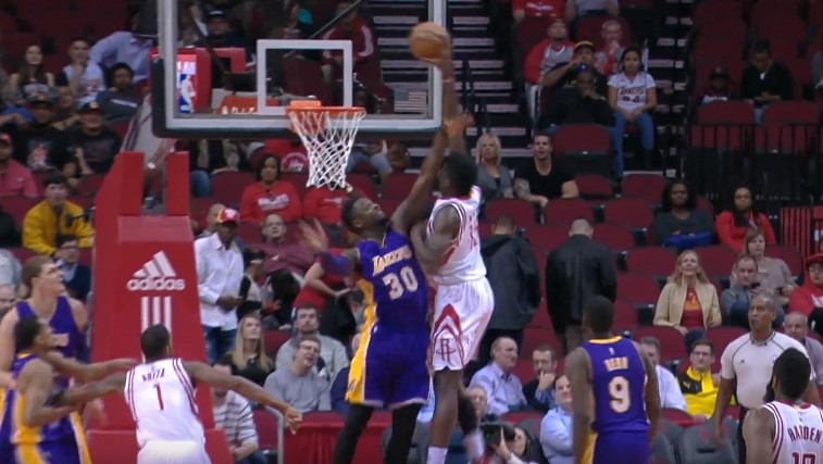 Top 10 : Jamal Crawford et Lou Williams en mode sniper, Clint Capela sans pitié pour Julius Randle