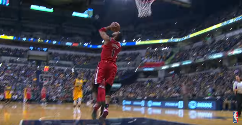 Top 10 : Evan Turner, un 360 en plein match !