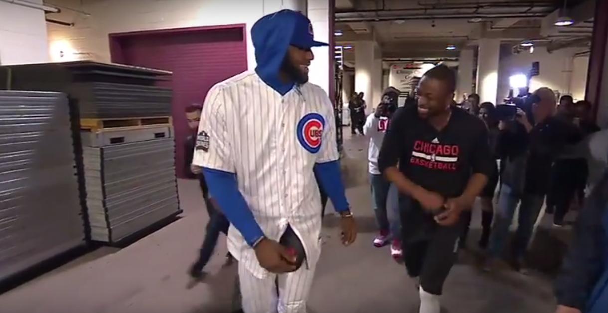 Habillé avec la tenue des Cubs, LeBron James honore son pari avec Dwyane Wade