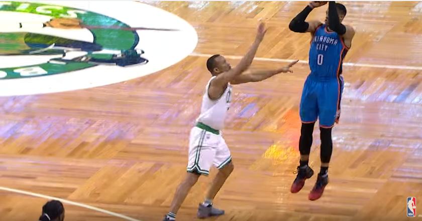 Russell Westbrook crucifie les Celtics derrière la ligne à trois-points