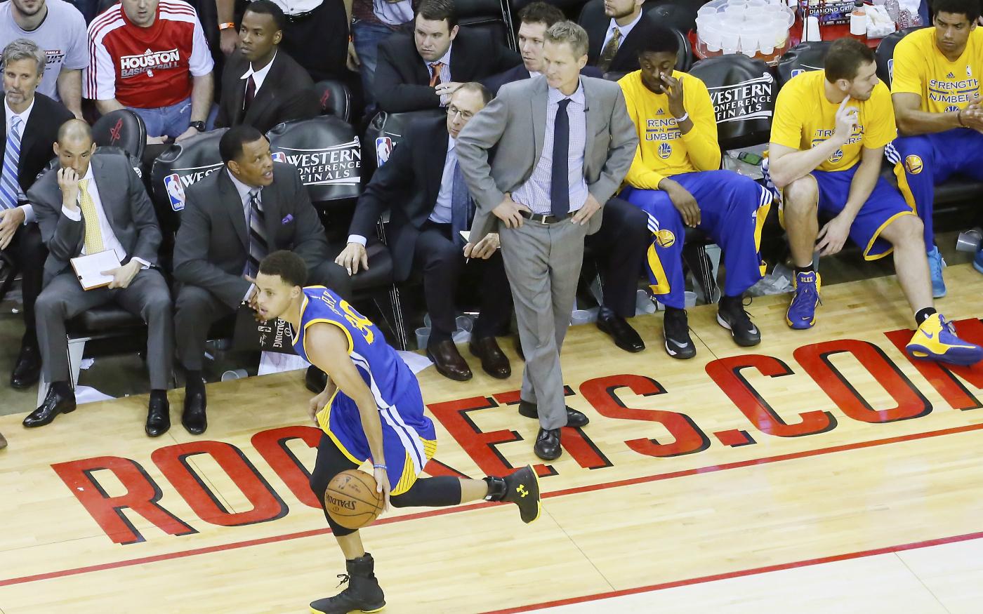 Stephen Curry dédie la victoire à Steve Kerr