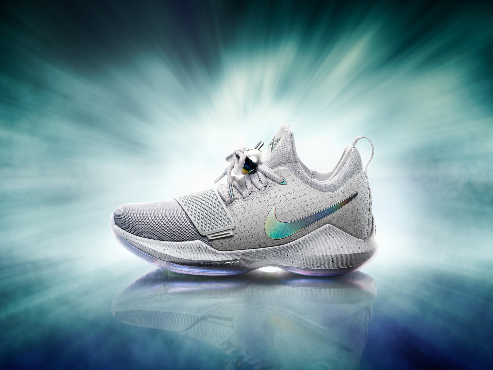 16-420_Nike_PG1_Hero_Single_Gray-03a_native_1600