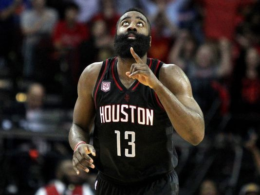 James Harden sort vainqueur de son duel face au Greek Freak