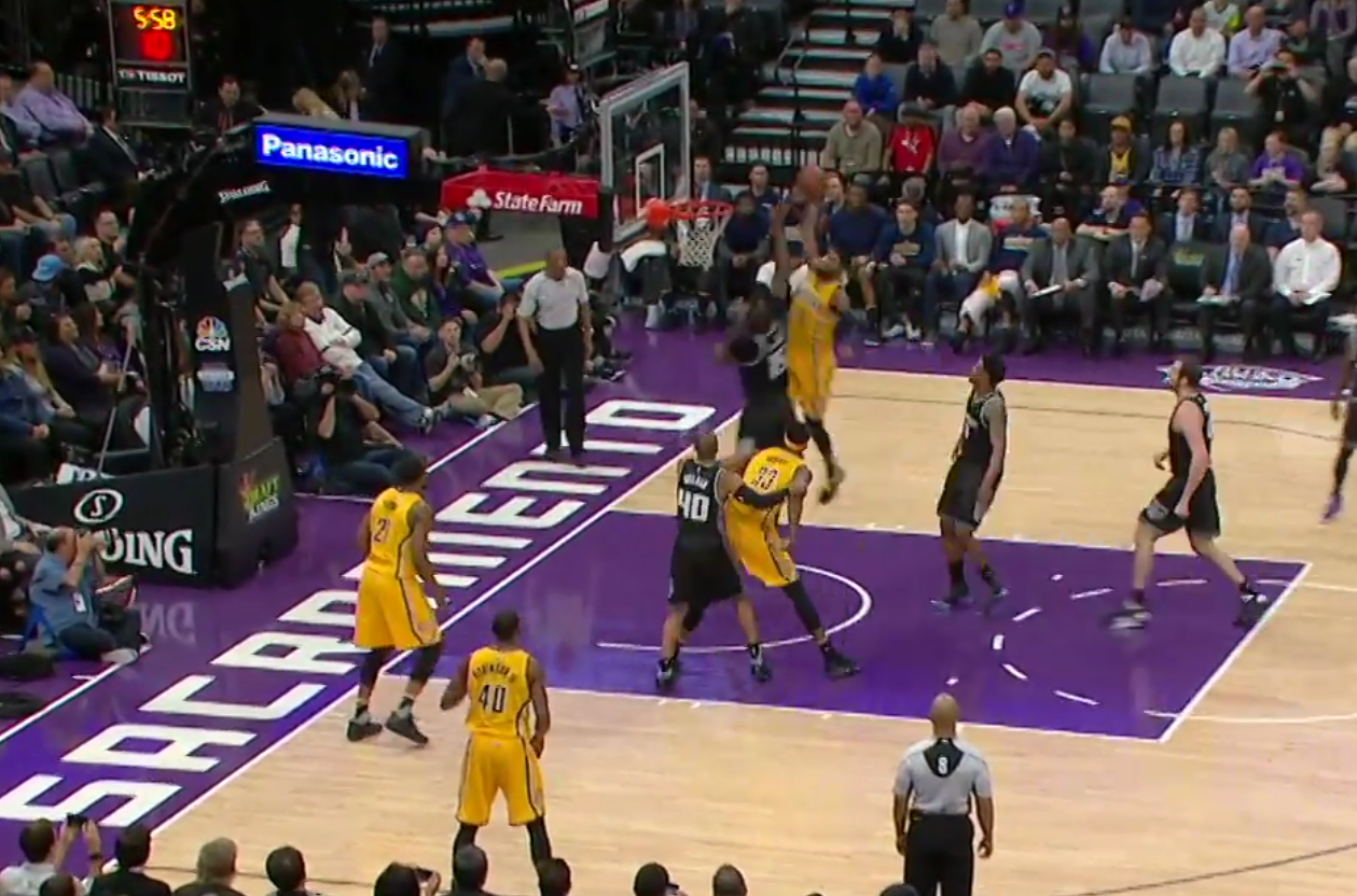 Poster : Paul George se paye DeMarcus Cousins !