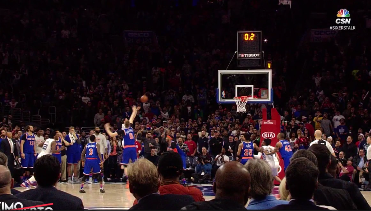 Le airball de Porzingis se transforme en game winner pour Philly