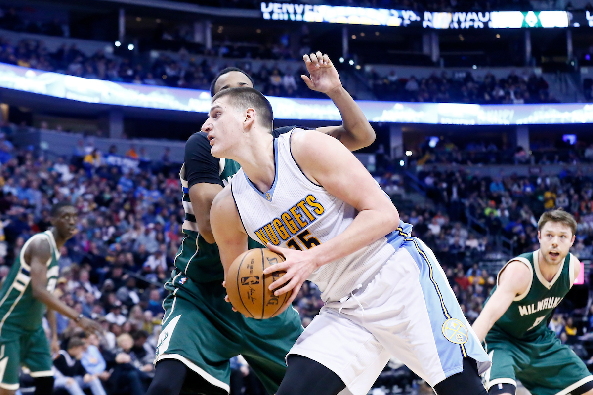 Nikola Jokic en triple-double contre Milwaukee