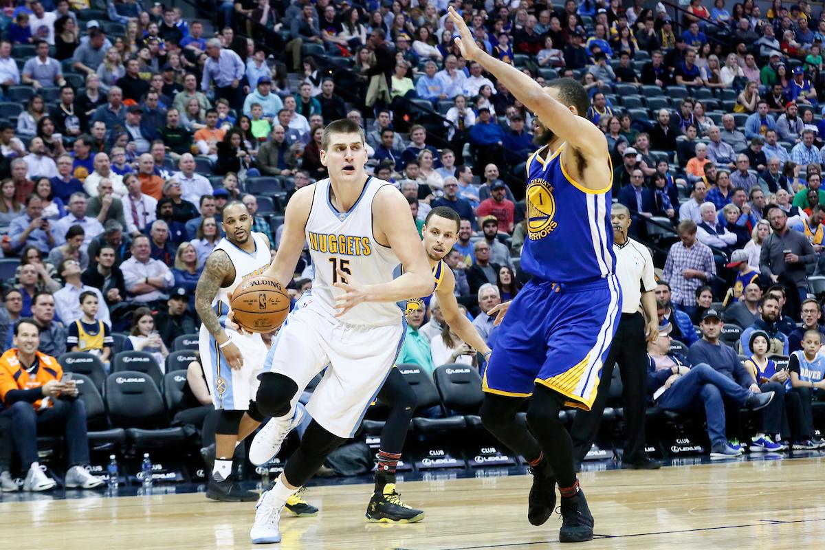 Nikola Jokic et les Nuggets ont explosé les Warriors !