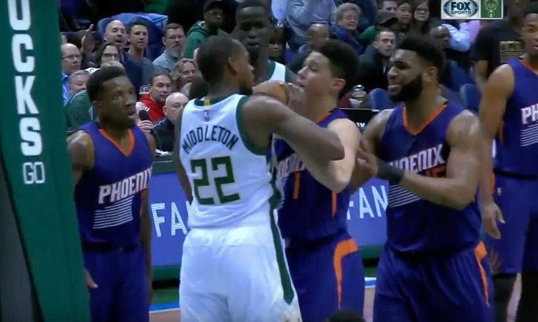 Fight : C'était chaud entre les Suns et les Bucks !