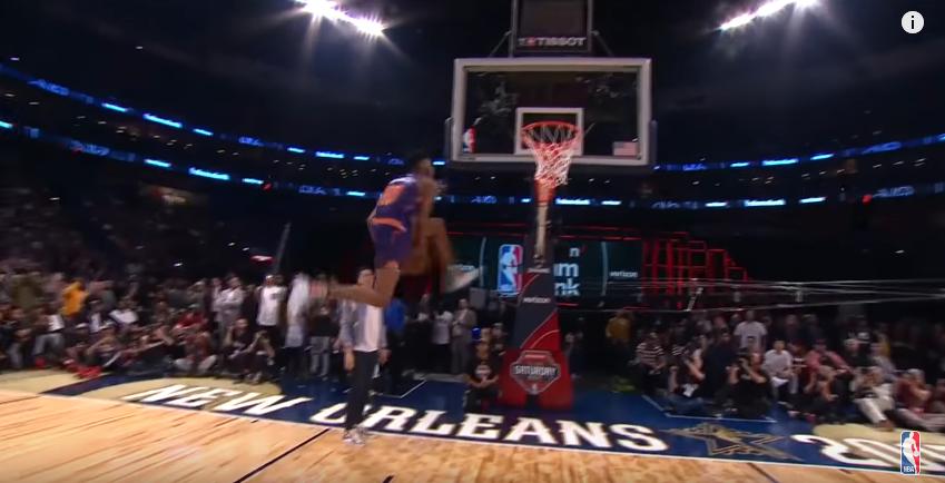 Derrick Jones Jr a perdu mais il a peut-être claqué le plus beau dunk de la soirée