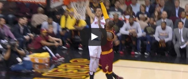 Not in my house : LeBron James scotche Courtney Lee sur la planche !