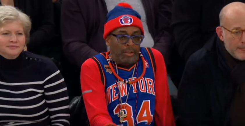 Spike Lee s'est pointé au match des Knicks avec un jersey de Charles Oakley