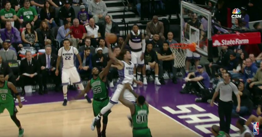 Top 10 : Willie Cauley-Stein claque un alley-oop MONSTRUEUX
