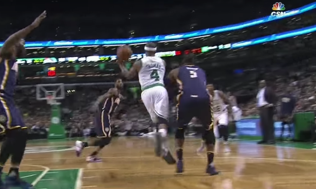 Like Magic : Isaiah Thomas sort une passe aveugle incroyable !