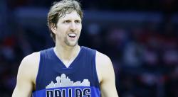 Dirk Nowitzki sortira du banc aux Mavs cette saison