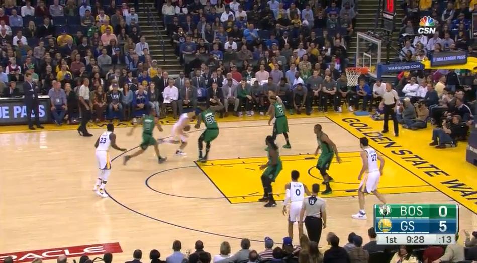 La défense des Celtics a préféré se concentrer sur Klay Thompson après ce 'handoff' avec Draymond Green.