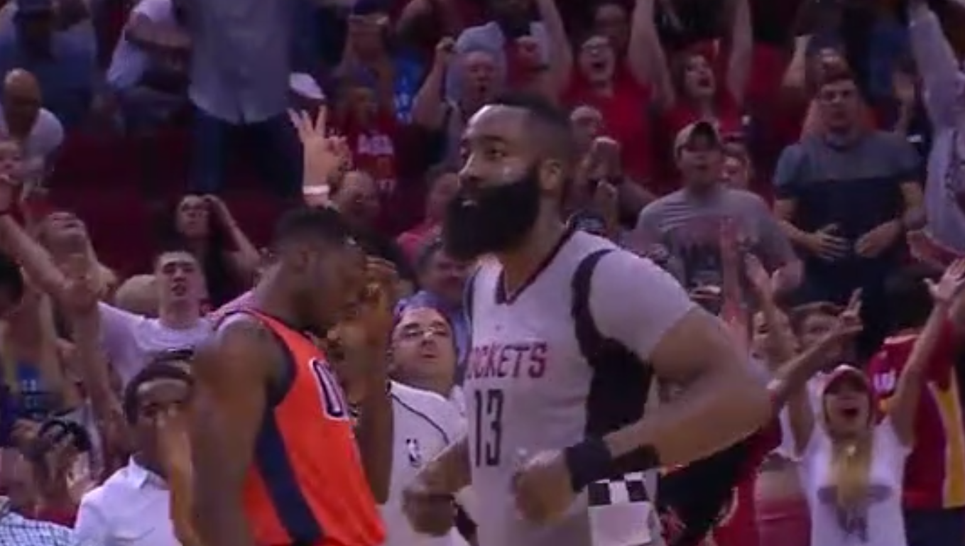 James Harden claque un buzzer beater contre OKC