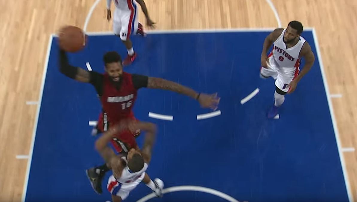 James Johnson claque un dunk dévastateur contre Detroit