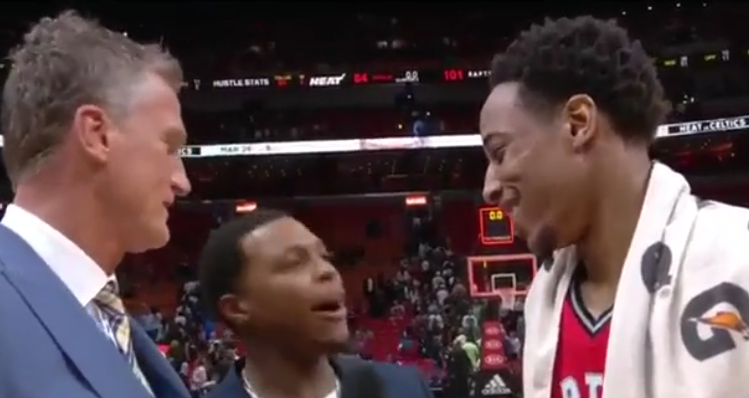 Kyle Lowry trolle DeMar DeRozan en imitant The Rock