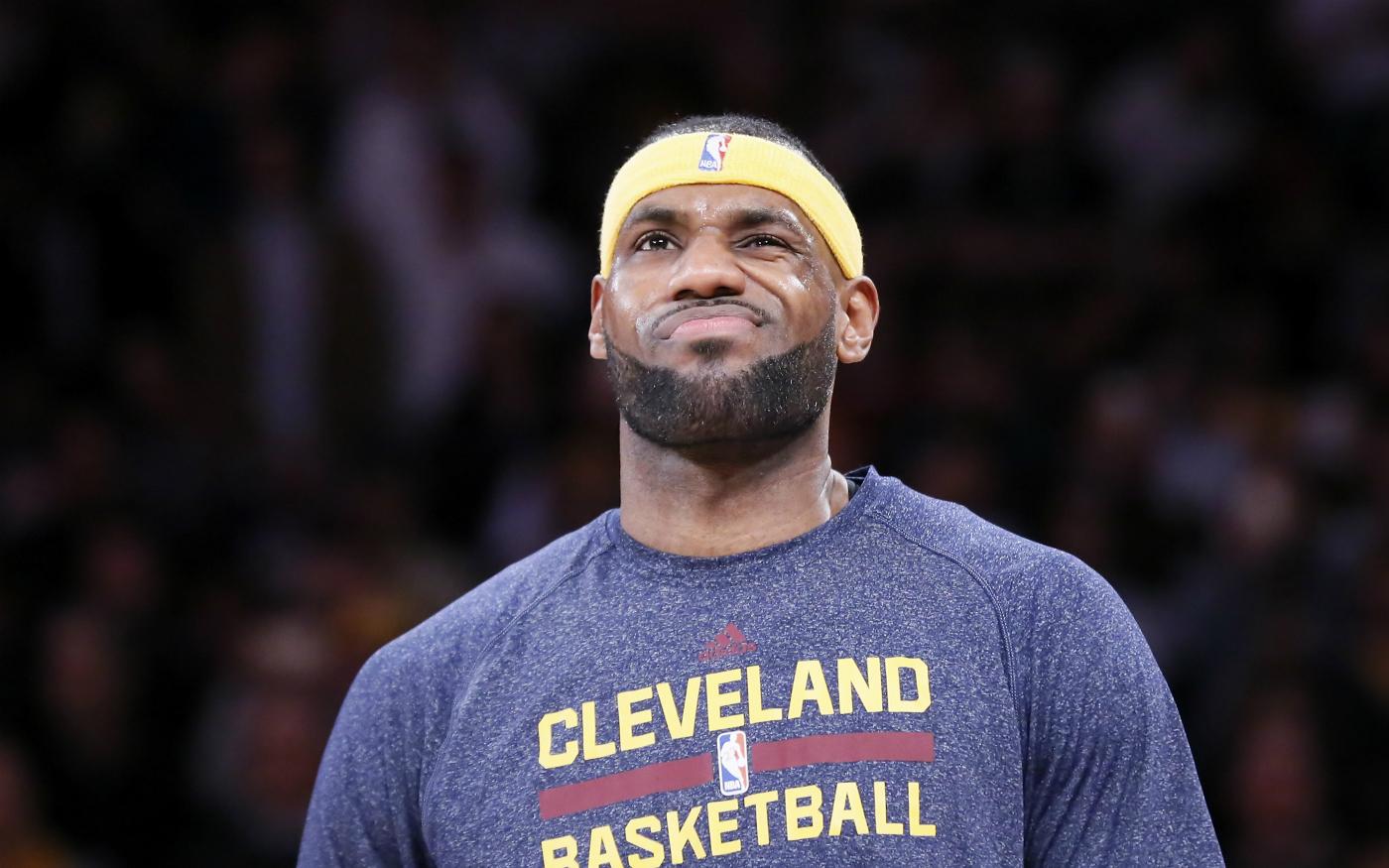 LeBron James se cache derrière l'arbitrage pour expliquer la défaite face à Atlanta