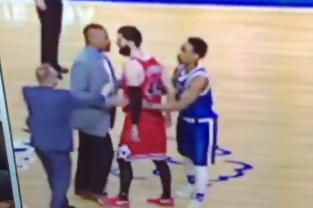 Nikola Mirotic s'est embrouillé avec un coach pendant le fight Lopez-Ibaka