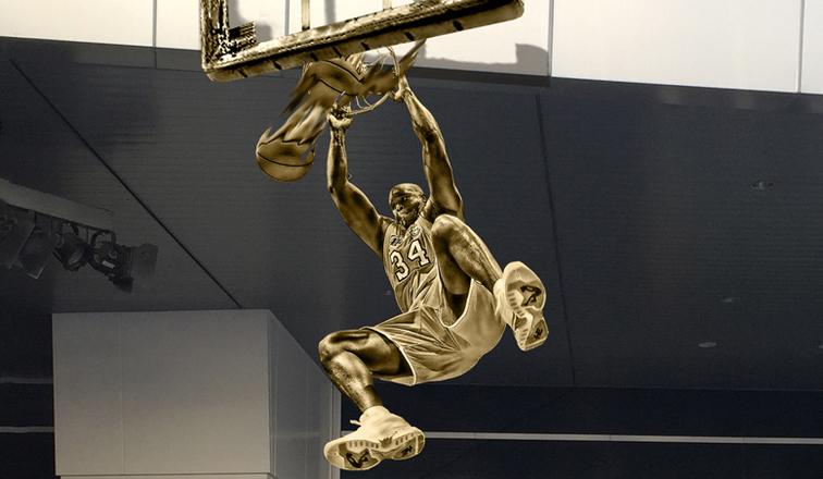 Un Shaquille O'Neal dunkeur érigé en statue devant le Staples Center !