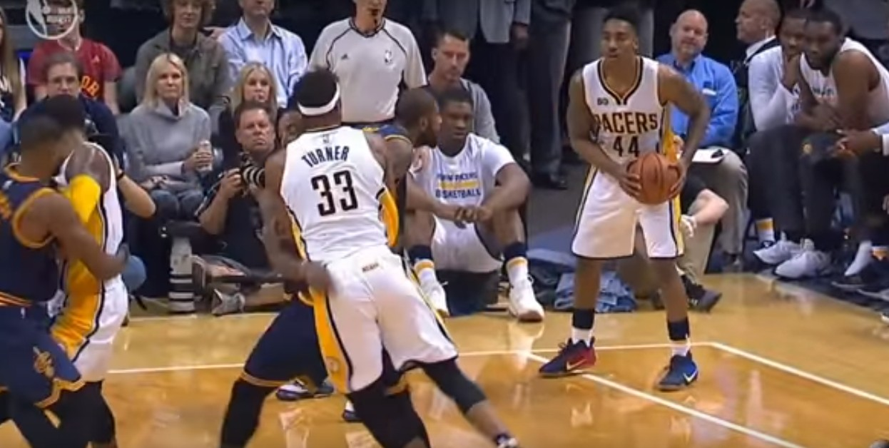 Shaqtin'A Fool : Quand JR Smith et Myles Turner floppent… en même temps !