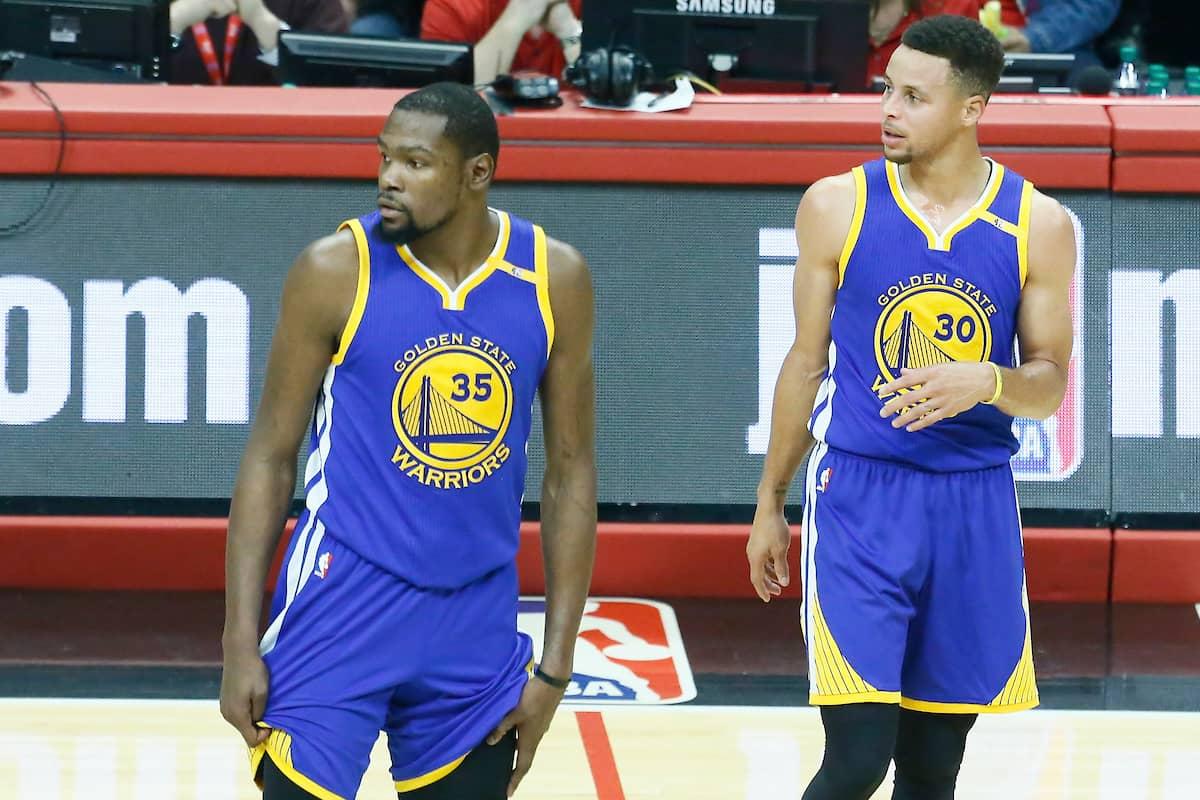 Kevin Durant et Stephen Curry ont tous les deux raté un tir décisif