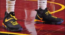 Toutes les sneakers portées par LeBron durant les playoffs 2017