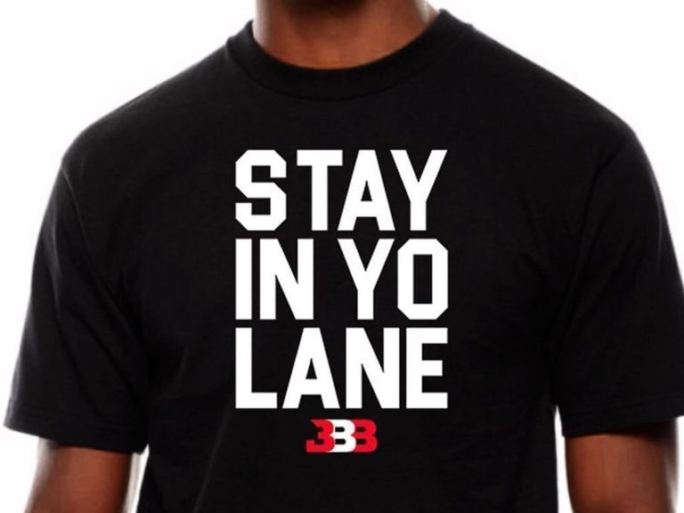 LaVar Ball Sort Un Nouveau T Shirt Polmique Stay In Your Lane