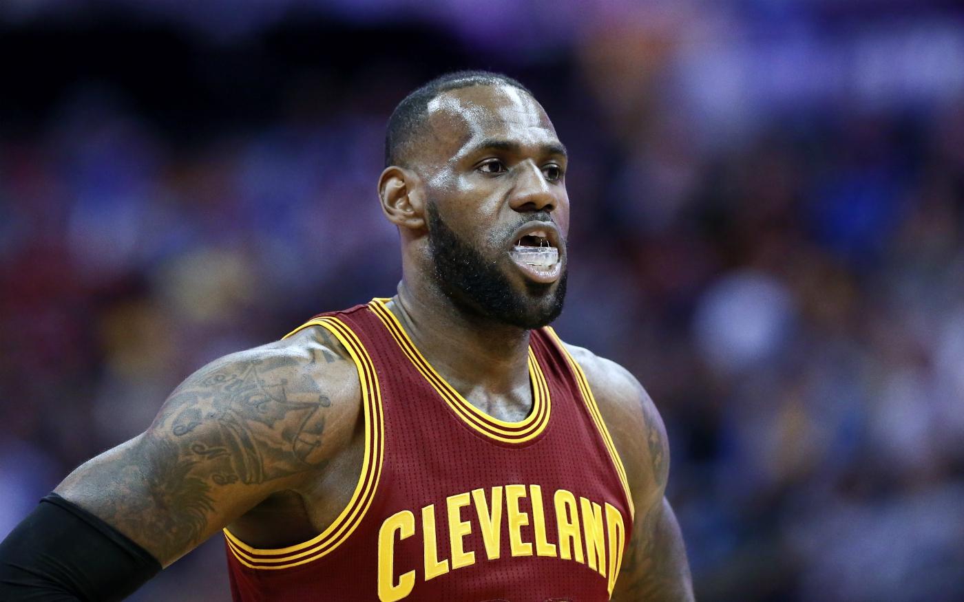 LeBron James ne renoncera pas à sa clause de non-trade