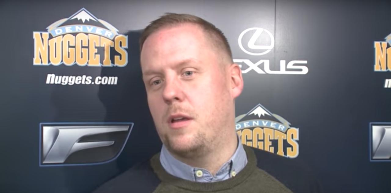 Les Nuggets prolongent logiquement Tim Connelly